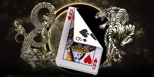 เล่นไพ่เสือมังกร