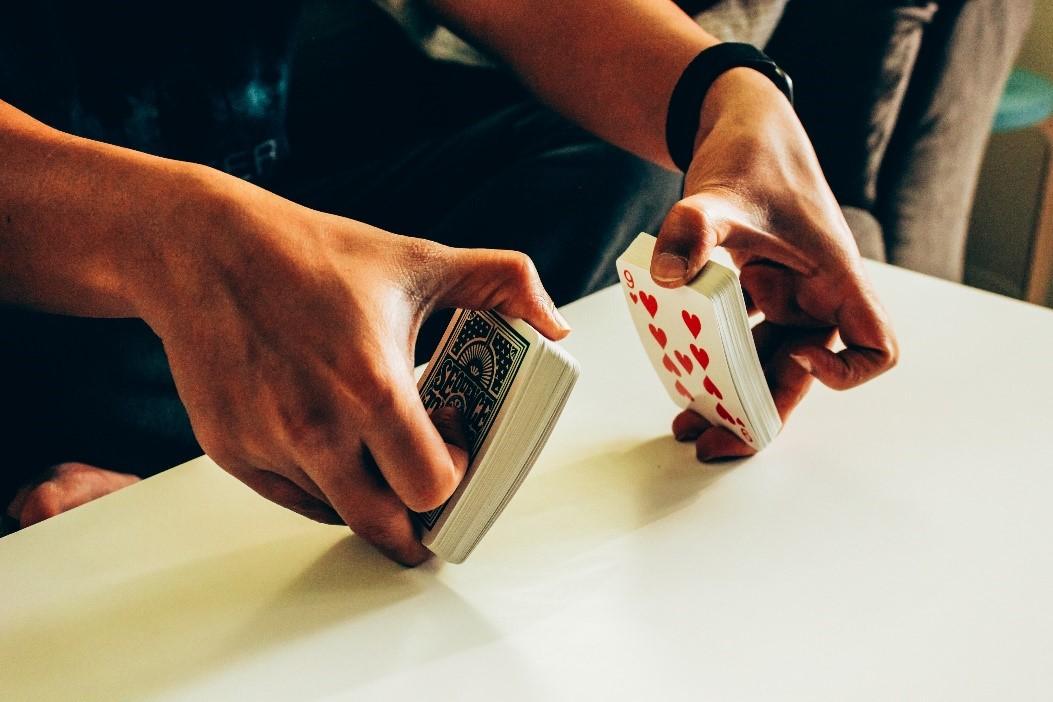 เกมคาสิโนออนไลน์ ในมือถือ ที่รอคุณมาสัมผัส! เล่นเกมคาสิโนได้ตลอด 24 ชั่วโมง